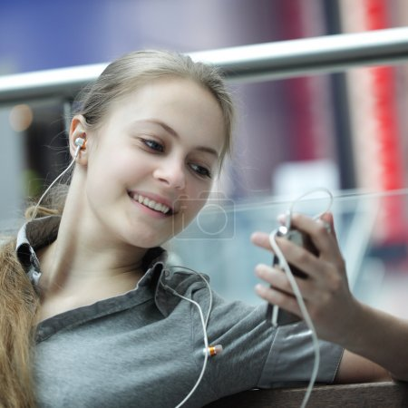 Girl listens music
