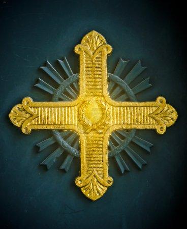 Foto de Socorro Cruz oro brillante en una iglesia ortodoxa griega en Estambul, Turquía - Imagen libre de derechos