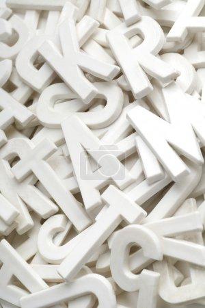 Photo pour Beaucoup de lettres blanches - image libre de droit