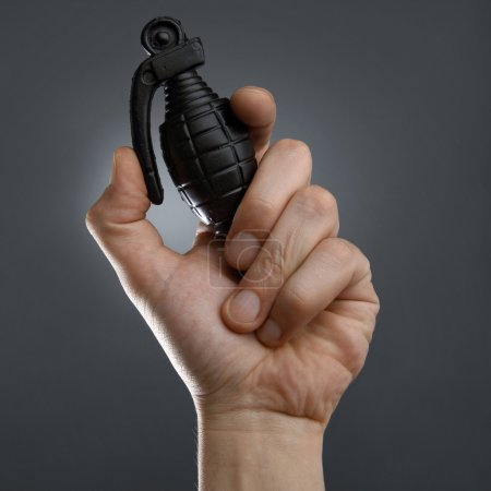 Photo pour Grenade à main en plastique - image libre de droit