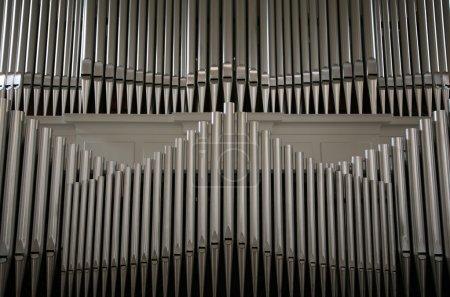 Photo pour Tuyaux d'orgue à l'église danoise - image libre de droit