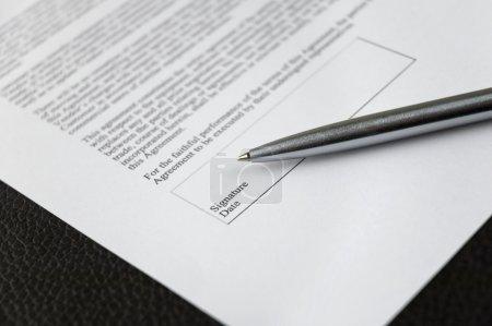 Photo pour Signature du contrat - image libre de droit