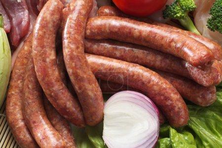 Photo pour Saucisse aux légumes - image libre de droit