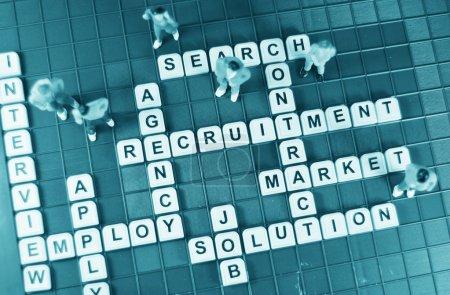 Photo pour Concept de chasse de travail avec miniature et emploi des mots-clés relatifs - image libre de droit
