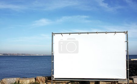 Splash screen outdoor advertising