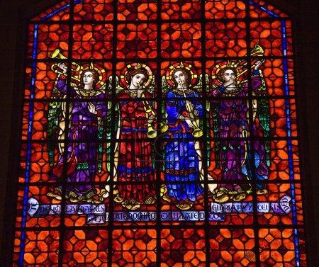 Photo pour Anges colorés avec des instructions musicales Vitrail Mission Dolores Saint Francis De Assis San Francisco Californie - image libre de droit