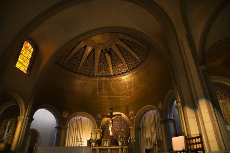 Basilica Altar Cross Jesus Dome