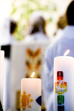 Photo pour Cérémonie de communion dans l'église - image libre de droit