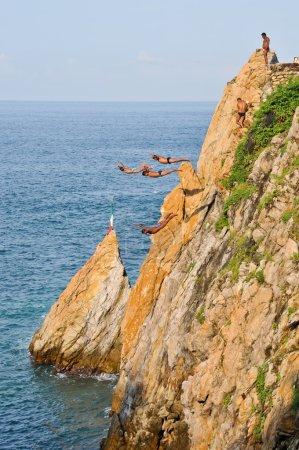 Acapulco cliffs divers