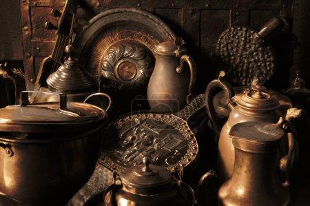 Photo pour Ustensiles en cuivre antique - image libre de droit