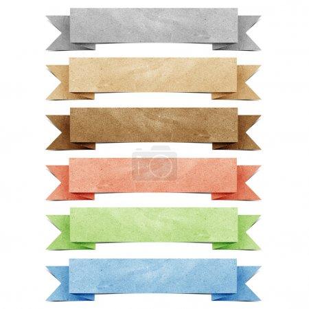 Photo pour En-tête origami tag bâton d'artisanat en papier recyclé sur fond blanc - image libre de droit