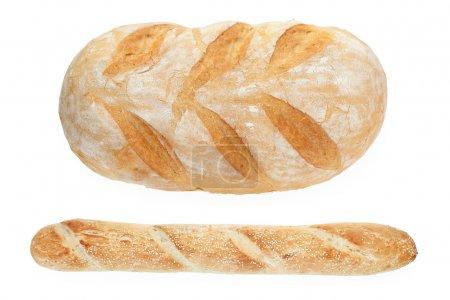 Photo pour Pain et baguette français isolés sur fond blanc, vue dégagée - image libre de droit