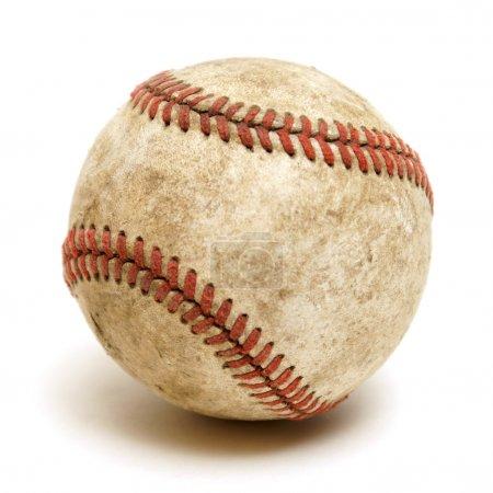 Photo pour Un tireur isolé d'une balle de baseball bien utilisé. - image libre de droit