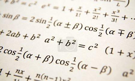 Photo pour Fond de mathématiques avec des formules, math, équation numéro - image libre de droit