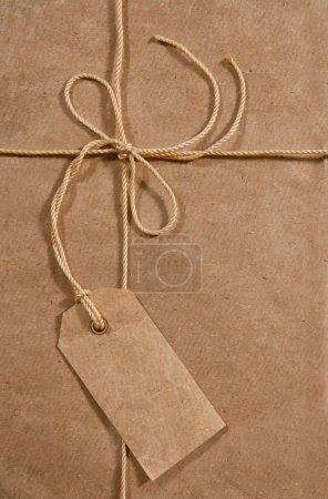 Photo pour Étiquette sur le vieux principe de carton - image libre de droit
